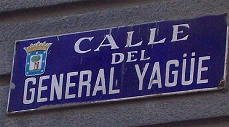 Placa de la calle del General Yagüe