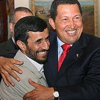 El presidente iraní, Mahmoud Ahmadinejad y su homólogo venezolano, Hugo Chávez.