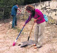El Ayuntamiento dará ropa a los jardineros que no tenían ni WC