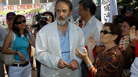 El doctor Montes, jefe del servicio de Urgencias del Hospital Severo Ochoa