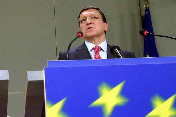 """Barroso ha advertido de que, tras la adhesión, sería """"imprudente"""" seguir ampliando la UE. (O. Hoslet  Efe)"""