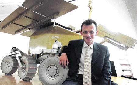 La empresa del espacio de Pedro Duque arranca el lunes en Boecillo