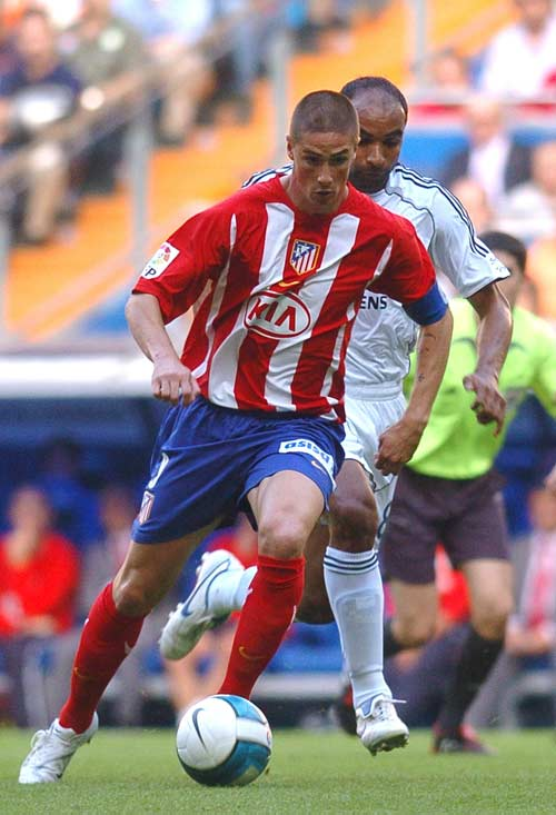 Torres es perseguido por Emerson