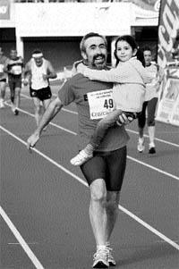 Dos mil personas corren la Maratón