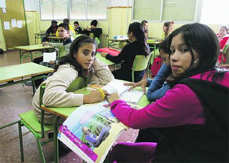 En los colegios de Granada estudian niños de 90 países