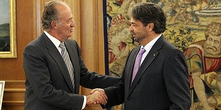 El Rey Juan Carlos y Benach