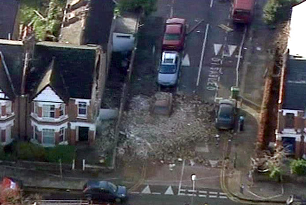 Un tornado causa destrozos en Londres