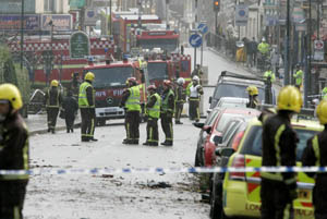 El tornado corta varias calles en Londres