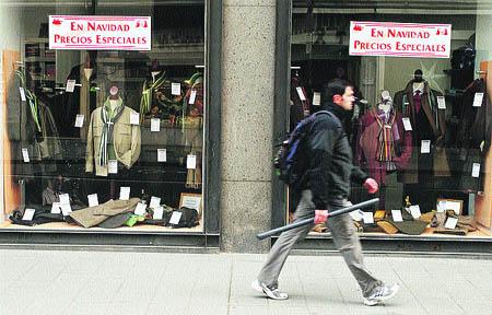 Algunas tiendas adelantan más aún las rebajas de tapadillo