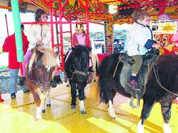Atracciones y diversión en la feria de Rabassa