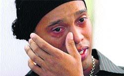 Ronaldinho llora en Portoalegre