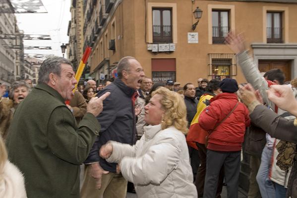 Insultos entre los manifestantes