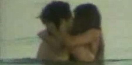 Captura del vídeo de Cicarelli en la playa