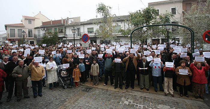 Villaconejos protesta contra su vecino más díscolo