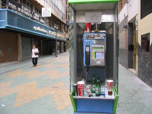 Las cabinas de tel fono dejaron de ser rentables hace 5 a os for Telefono oficina de empleo madrid