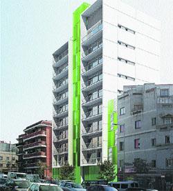 Els afectats de l'explosió de Fondo estrenaran nou edifici en un any i mig