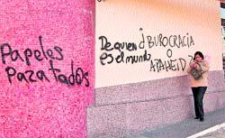 'Graffiti' en la fachada de Extranjería