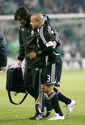Roberto Carlos, lesionado