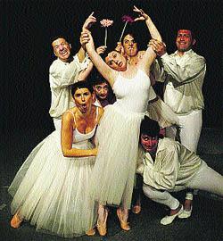 Humor y gestos para atraer público hacia la ópera