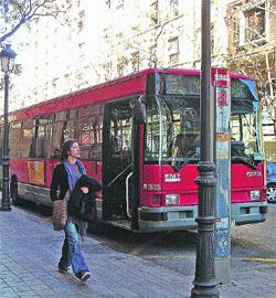 El bus donde pocos suben porque tarda