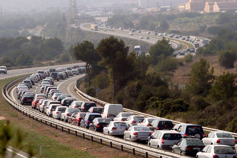 Autopistas transitadas, enemigas de los pulmones