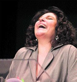 Charo López se ríe de tabúes sexuales