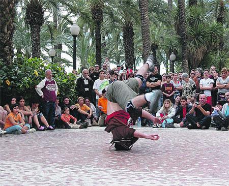Piruetas y música en Alicante