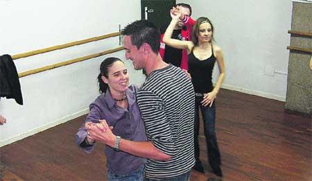 '¡Mira quién baila!' llena las academias de baile