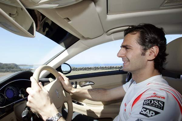 Pedro Martínez de la Rosa conduce un Mercedes en el circuito de Philippe Island