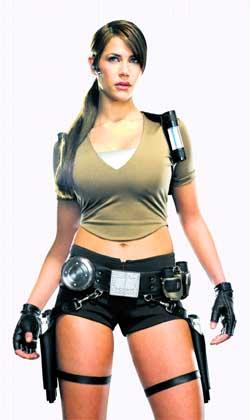 La 'sexy' Lara Croft se cuela ahora en el móvil