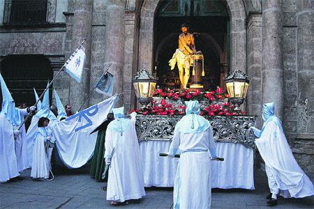 Resultado de imagen de HERMANDAD PENITENCIAL DE NUESTRO PADRE JESÚS ATADO A LA COLUMNA