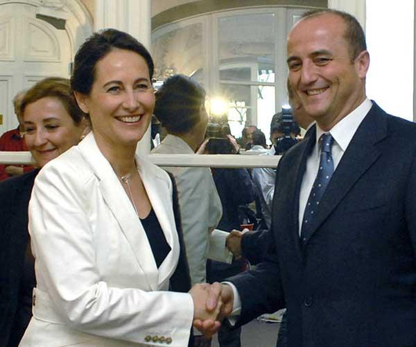 Royal saluda a Miguel Sebastián (Efe)