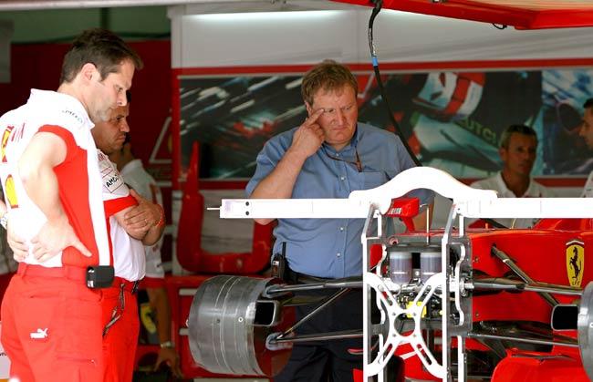 Reparando el Ferrari