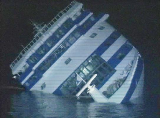 Hundimiento del crucero 'Sea Diamond'