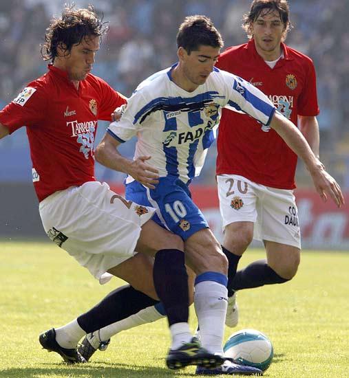 Arizmendi se va de dos jugadores del Nastic.