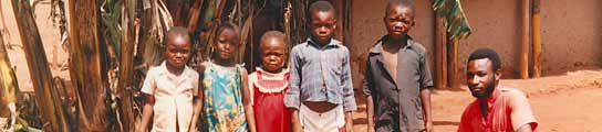 Miles de congoleños son desplazados de sus zonas de origen para trabajar en las minas de coltán