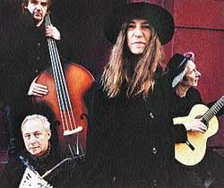 Patti Smith versiona a los clásicos del rock y Ariel Rot hace memoria