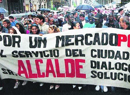 Protestan para pedir que el rastro vuelva de nuevo a La Romareda