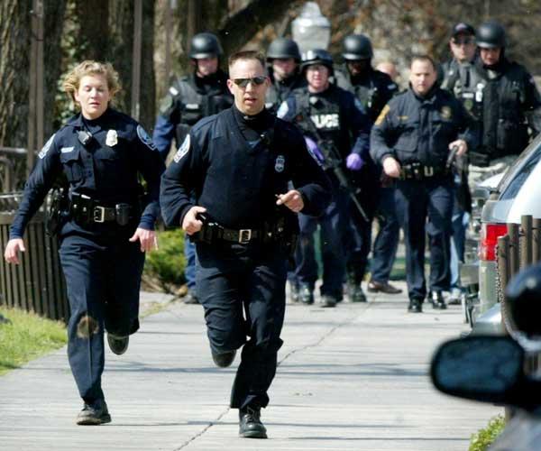 Agentes de la Policía Blacksburg (AP)