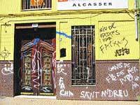 Atacan con pintadas la sede local de Coalició Valenciana en Alcàsser