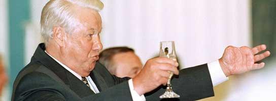 Yeltsin brindando (Efe)