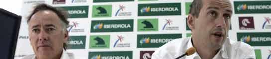 El director técnico del Desfio Español Agustín Zulueta (derecha) y el director deportivo, Luis Doreste, durante la rueda de prensa que ofrecieron este domingo en Valencia