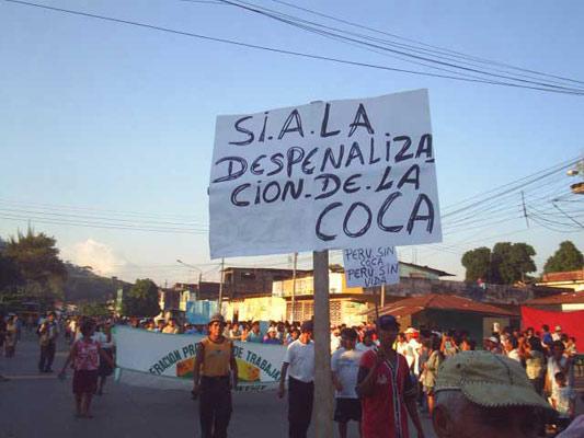 Pancartas en favor de la hoja de la coca