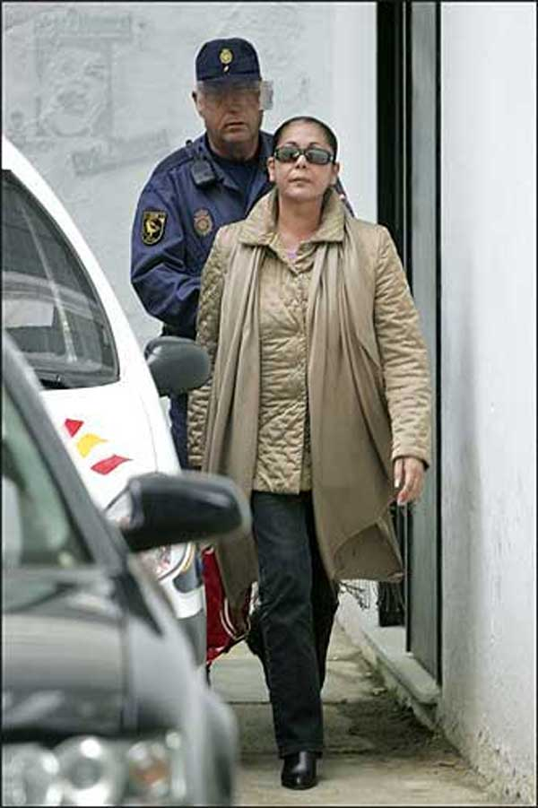 Isabel Pantoja, tras declarar ante el juez.