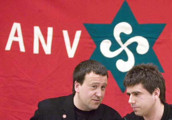 Los dirigentes de ANV Antxon Gómez y Raúl Barrena.
