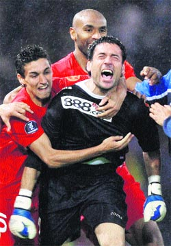 El Sevilla repite gracias a Palop