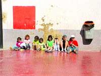 La mayoría de colegios no protegen del sol a los niños