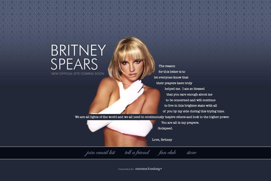 Britney lanza adolescente desnuda
