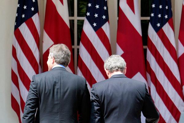 Bush y Blair tras hablar con los medios
