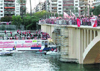Un año después el río trae a los conquistadores